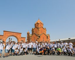 Tour de Masis started from  Republic Square in Yerevan